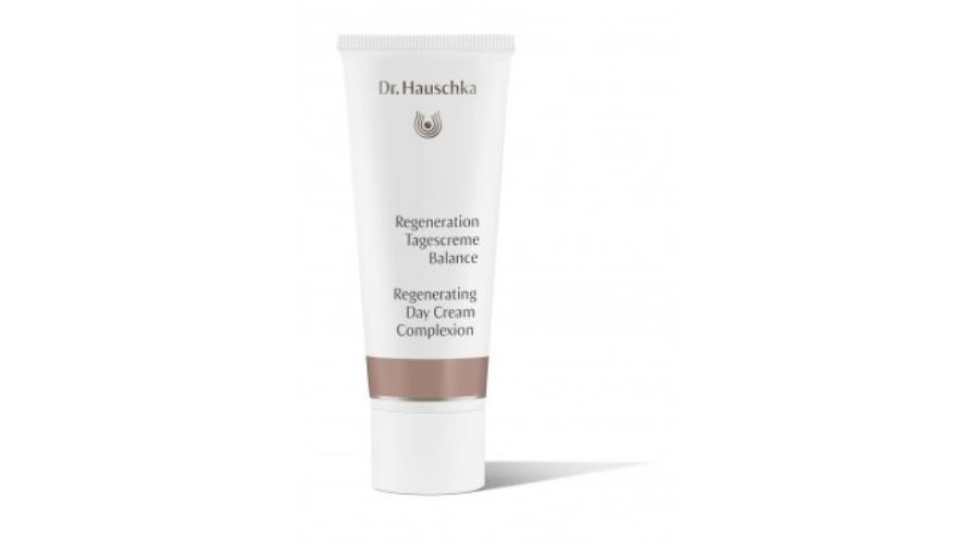 N/A Dr. Hauschka Regenerierende farbige Tagescreme 40 ml